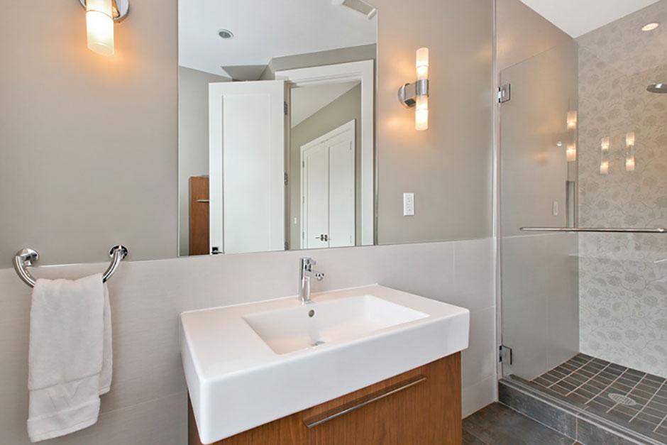 Modern Bath Remodeling 14